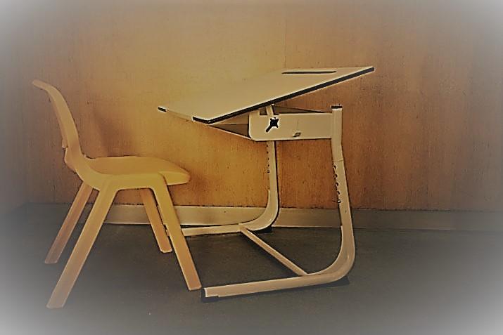Escolas Básicas da freguesia recebem novo mobiliário